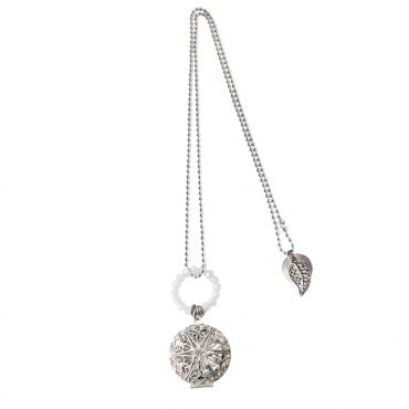 Hanger medaillon bewerkt d'luxe wit